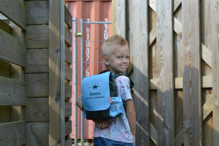 Back to school   Rugtas van Bulbby.com + WIN